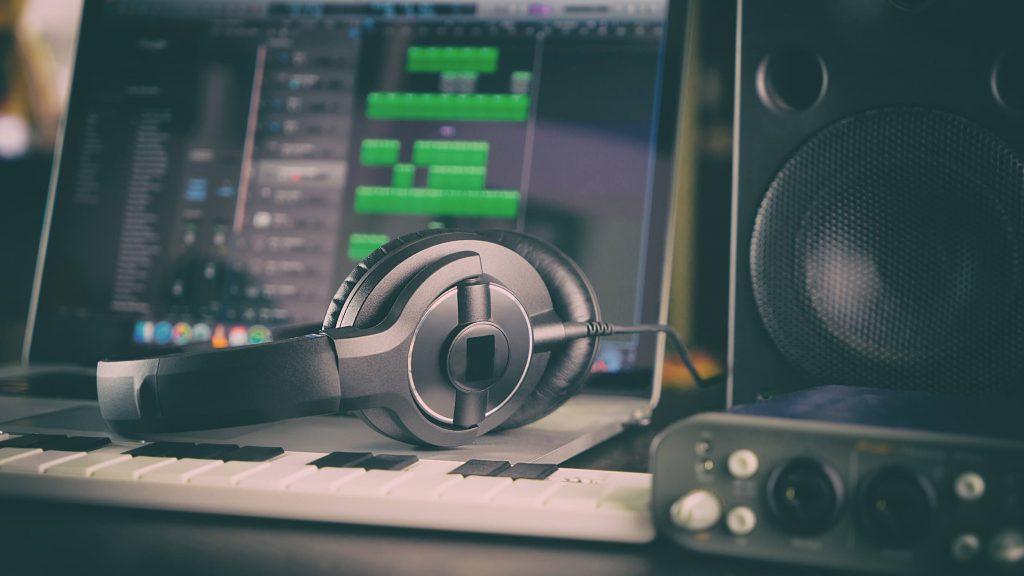 楽曲制作及び提供